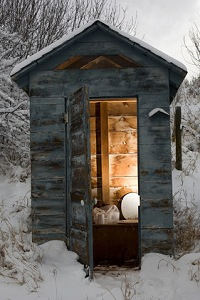 outdoor-outhouse-01