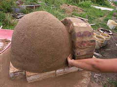 Making a Brick Arch Doorway and Cob Dome4