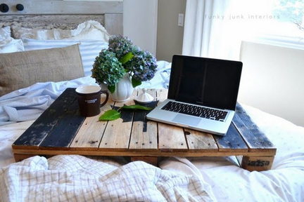bed-tray-mad-with-pallets