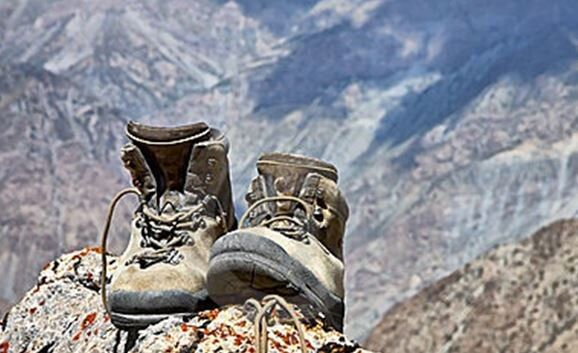 Survival Footwear: Choosing The Right Shoes For The Right Situation